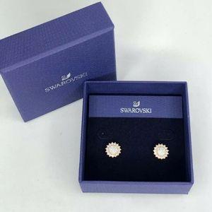 Swarovski Flower Stud Earrings Crystal Rose Gold t